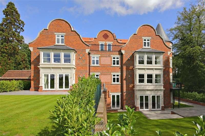 2 Bedrooms Flat for sale in Hillside Manor, Brookshill, Harrow Weald, Middlesex, HA3