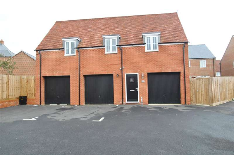 2 Bedrooms House for sale in Bobbins Way, Buckingham