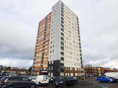 3 Bedrooms Flat for sale in Barking, Essex