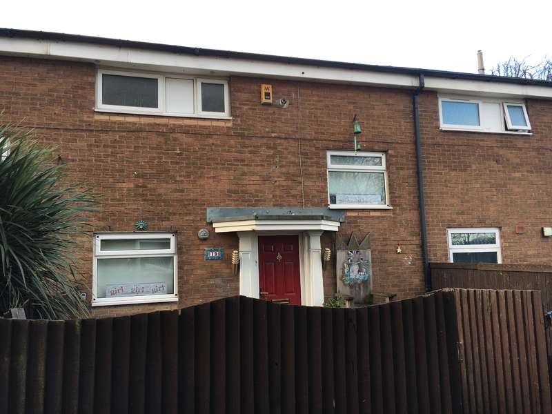 2 Bedrooms Terraced House for sale in Trentham Lawns, Salford, M6 6QN