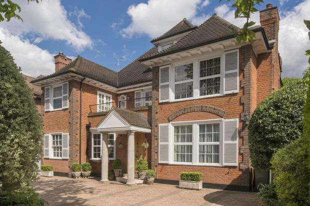 8 Bedrooms Detached House for sale in Stormont Road, Kenwood, Highgate, N6
