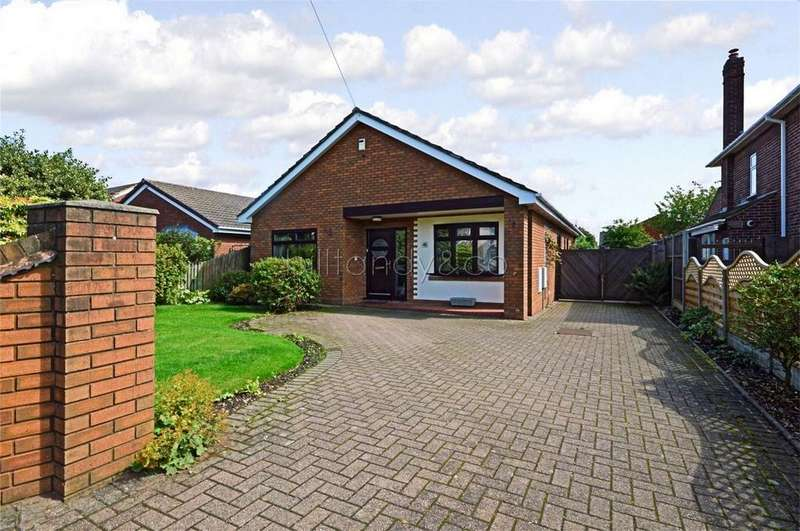 3 Bedrooms Detached Bungalow for sale in Water Street, Chase Terrace, Staffordshire