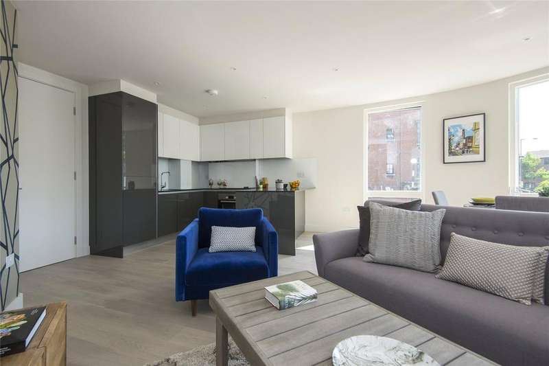 2 Bedrooms Flat for sale in Moore House, Millfields Road, London, E5