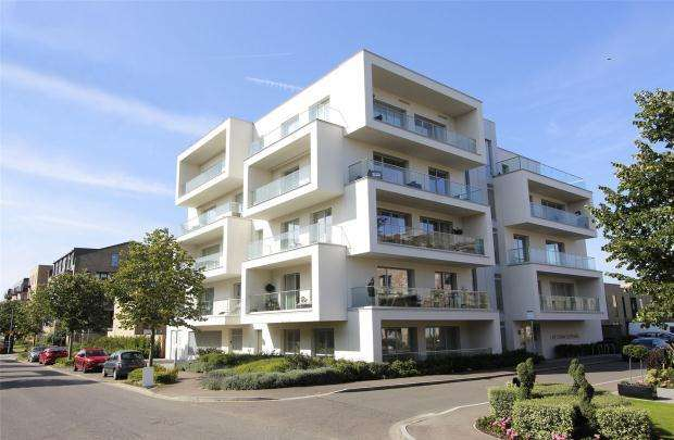 3 Bedrooms Apartment Flat for sale in The Aura Building, Northrop Road, Cambridge