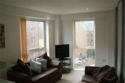 2 Bedrooms Flat for rent in Trinity One, Leeds City Centre, LS9 8AE