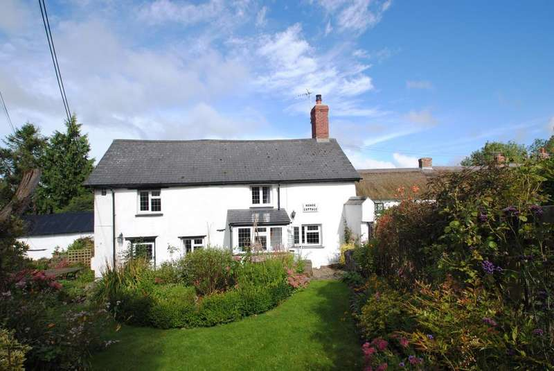 3 Bedrooms Semi Detached House for sale in Knowstone, South Molton
