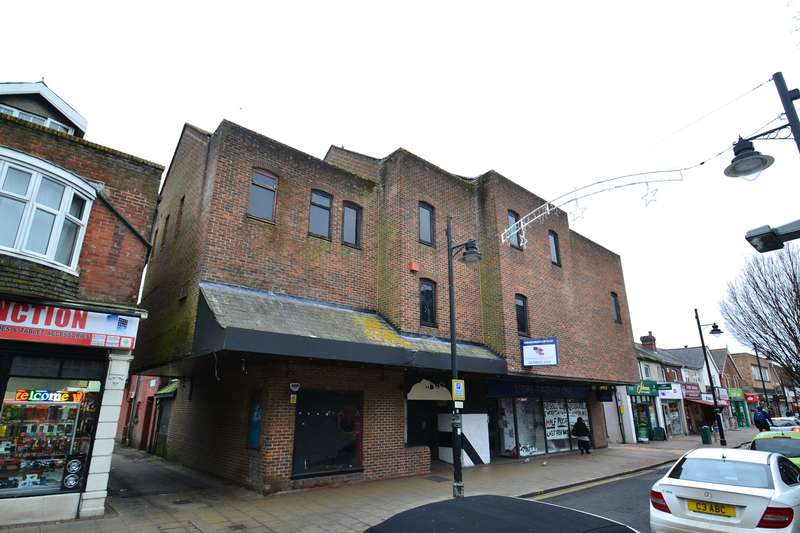 Leisure Facility Commercial for rent in Former Nightclub Premises, 2 Regal Buildings, Market Street, Eastleigh, SO50 5RL