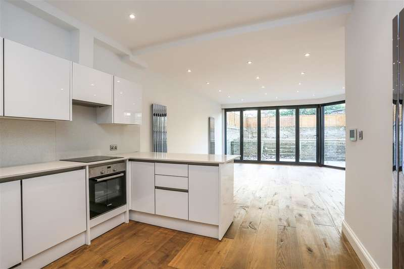 3 Bedrooms Flat for sale in Tufnell Park Road, London