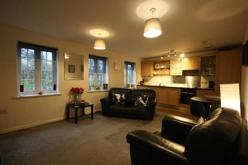2 Bedrooms Apartment Flat for sale in Mill Court, Stoneclough