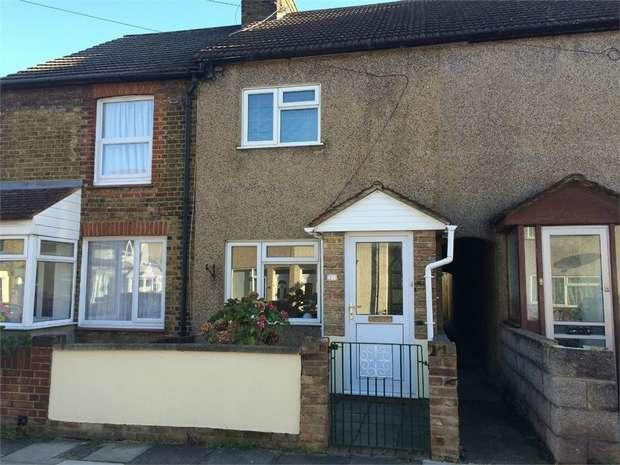 2 Bedrooms Terraced House for rent in Cowper Road, SITTINGBOURNE, Kent