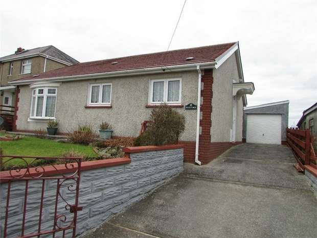 2 Bedrooms Detached Bungalow for sale in Cefn Byrle Road, Coelbren, Neath, Powys