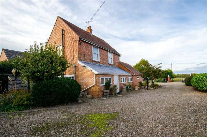 3 Bedrooms Detached House for sale in Moseley Road, Hallow, Worcester, Worcestershire, WR2