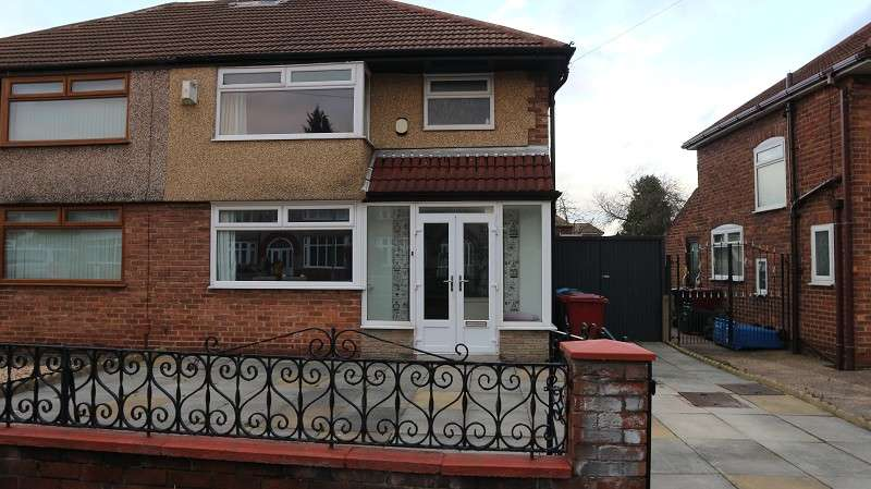 3 Bedrooms Semi Detached House for sale in Woodland Road, Halewood, Liverpool, Merseyside. L26 1XE