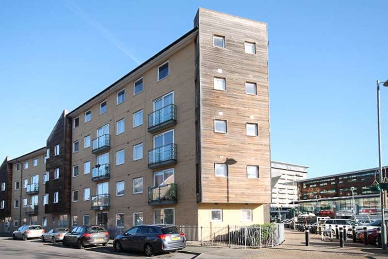 1 Bedroom Flat for sale in Buddleia House, Tilley Road, Feltham, TW13