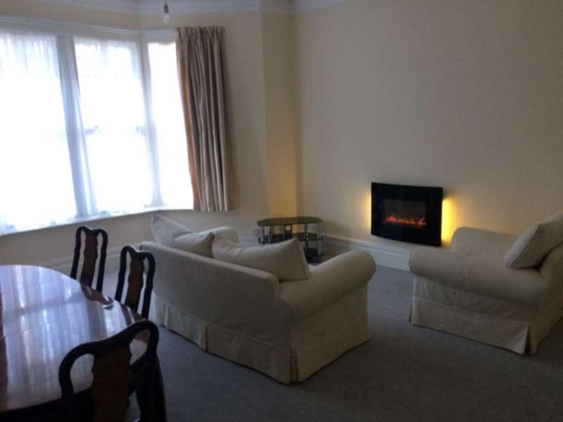 2 Bedrooms Apartment Flat for rent in Victoria Square, Lower Penarth
