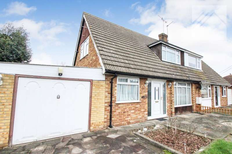 3 Bedrooms Semi Detached House for sale in Heideburg Road, Canvey Island - GREAT FAMILY HOME