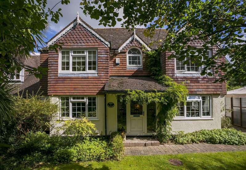 4 Bedrooms Detached House for sale in Legge Lane, Birling