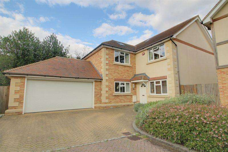 4 Bedrooms Detached House for sale in Elysian Place, South Croydon