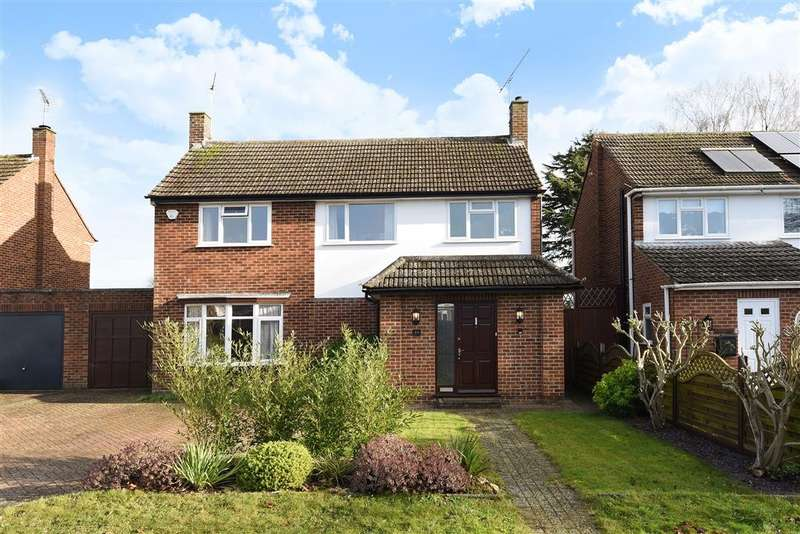 4 Bedrooms Link Detached House for sale in Park View Drive North, Charvil, RG10