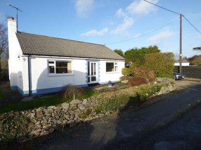 2 Bedrooms Bungalow for sale in Llansadwrn, Sir Ynys Mon, Anglesey, LL59
