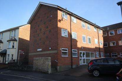 1 Bedroom Flat for sale in Pembroke Court, Rectory Road, Oxford, Oxfordshire