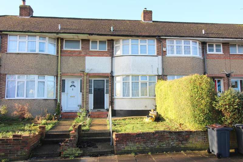 3 Bedrooms Terraced House for sale in Somerset Avenue, Luton, Bedfordshire, LU2 0PJ