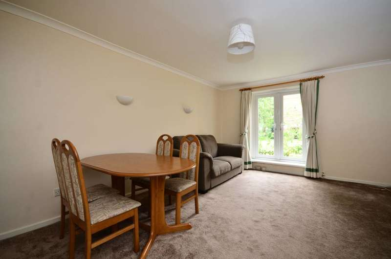2 Bedrooms Maisonette Flat for sale in Harbord Close, Denmark Hill, SE5