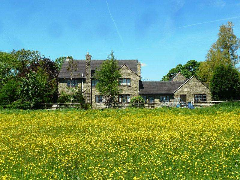 4 Bedrooms Detached House for sale in Bradnop, Nr Leek