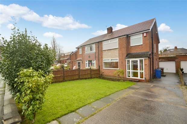 3 Bedrooms Semi Detached House for rent in St Simons Close, Offerton, Stockport, Cheshire