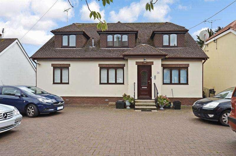 2 Bedrooms Flat for sale in Southfield Avenue, Paignton