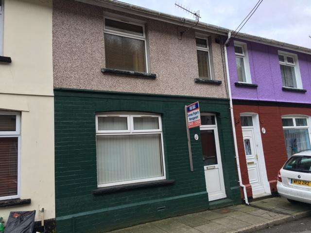 3 Bedrooms Terraced House for sale in Woodland Terrace, Aberbeeg, Abertillery, Gwent