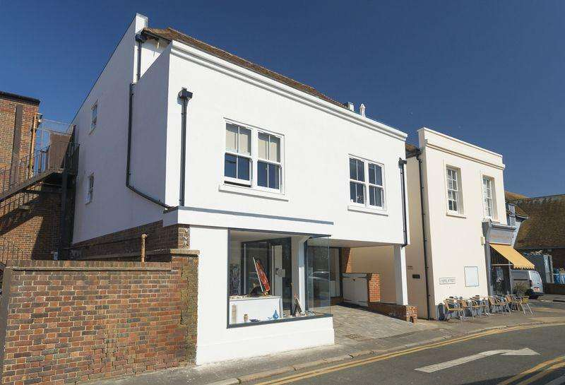 2 Bedrooms Apartment Flat for sale in Hythe