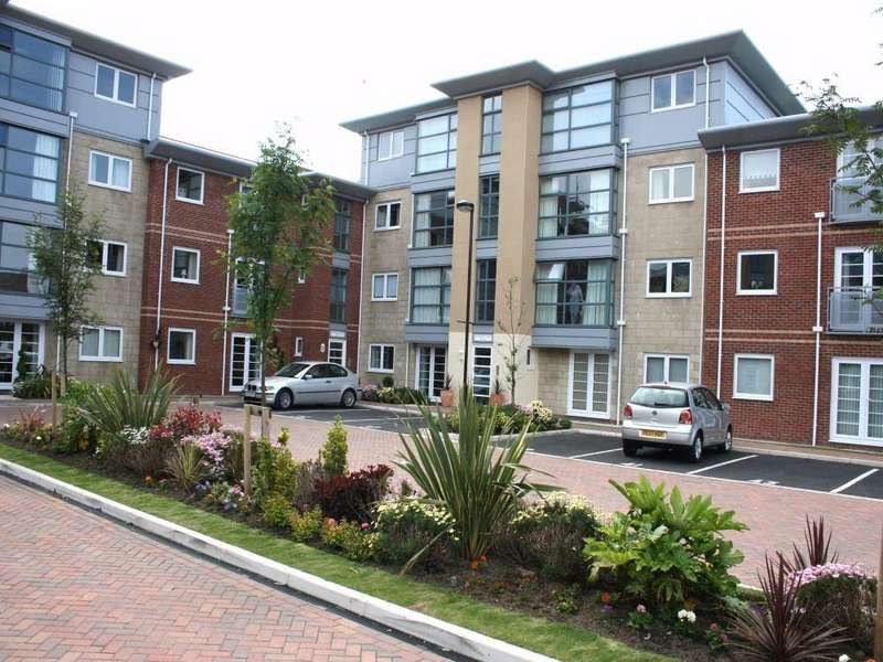 2 Bedrooms Flat for sale in Hollinshead House, St. Annes, Lancashire