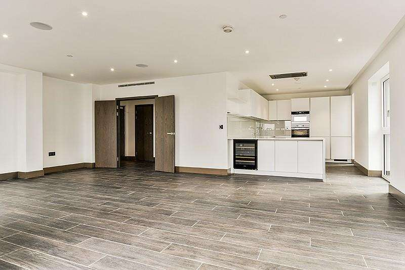 3 Bedrooms Flat for rent in Wiverton Tower, New Drum Street, Aldgate, London, E1