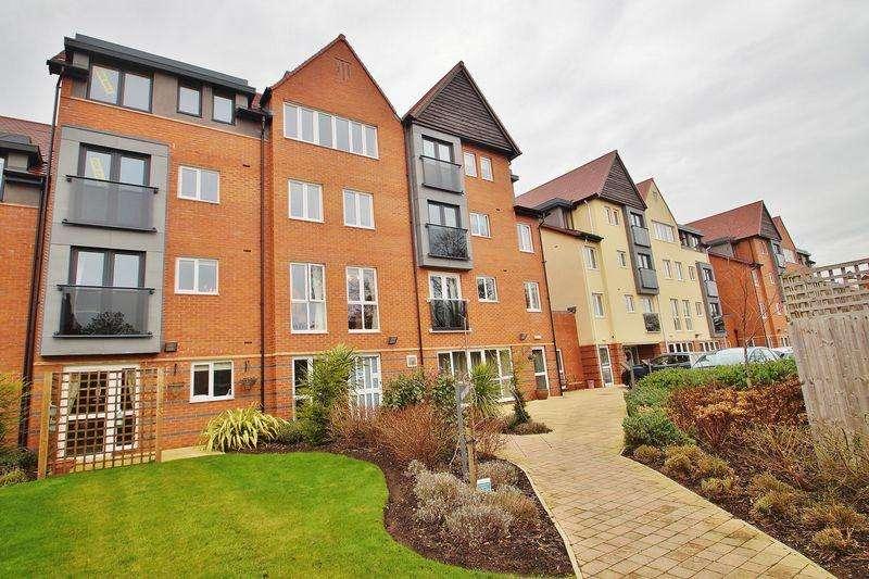 1 Bedroom Retirement Property for sale in Cambridge Road