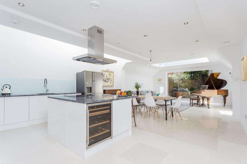 5 Bedrooms House for sale in Finlay Street, Fulham, London, SW6