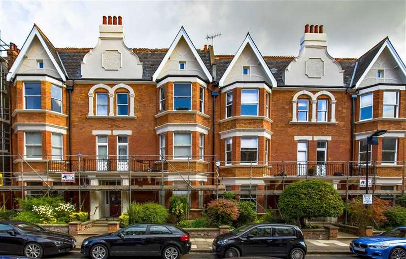 3 Bedrooms Flat for sale in Antrim Road, London, London, NW3