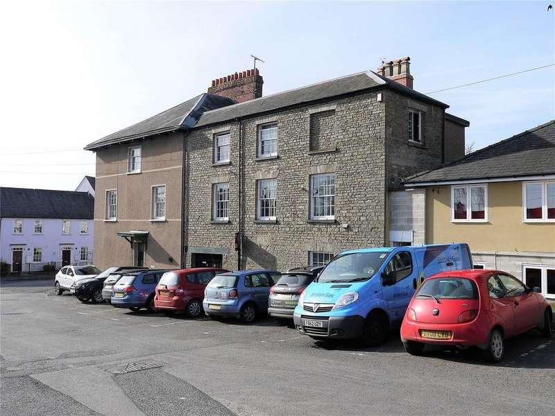 3 Bedrooms Semi Detached House for sale in The Square, Kington, Herefordshire