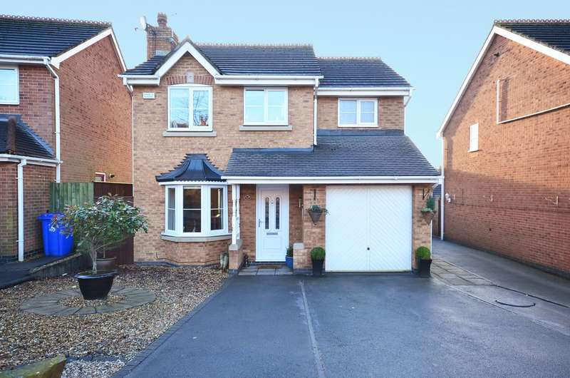 3 Bedrooms Detached House for sale in Charolais Cresent, Lightwood, ST3 4TE