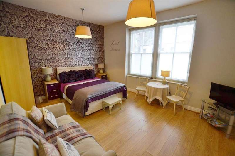 1 Bedroom Apartment Flat for sale in Crackwell Street, Tenby