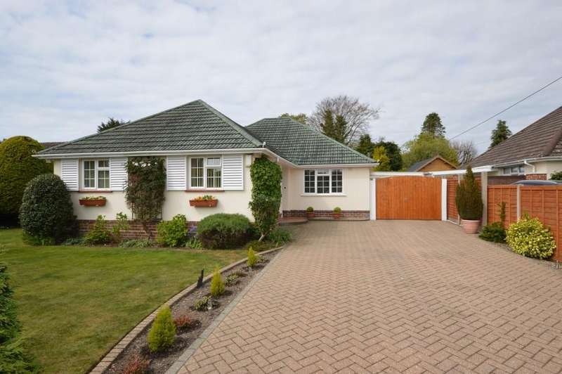 3 Bedrooms Chalet House for sale in Barrs Wood Road, New Milton