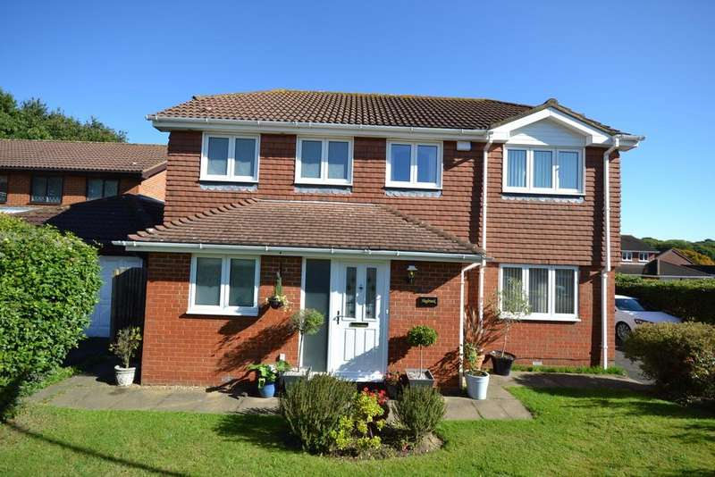 4 Bedrooms Detached House for sale in Lyndhurst Close Orpington BR6