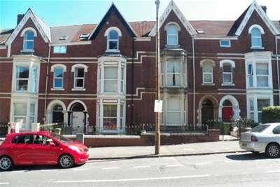 2 Bedrooms Flat for rent in Sketty Road, Uplands