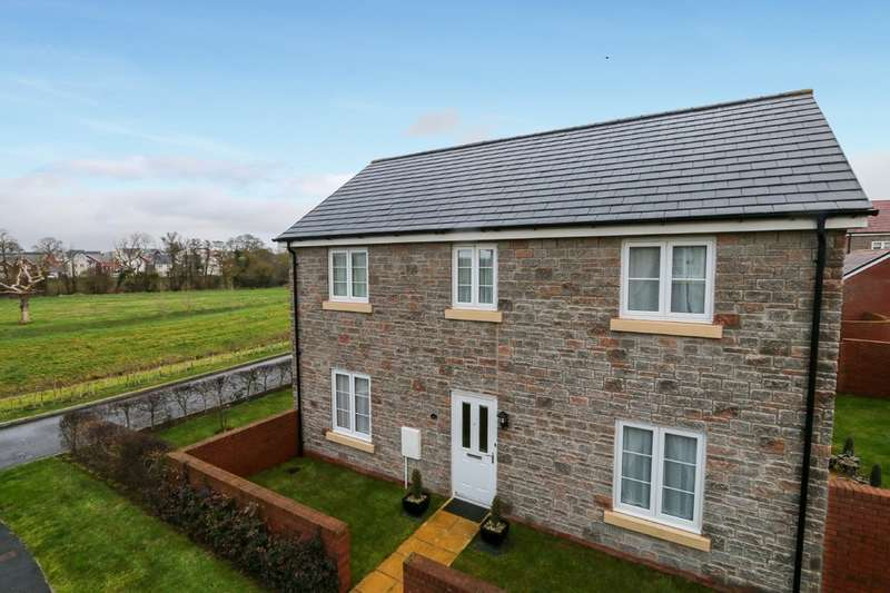 4 Bedrooms Detached House for sale in Post Coach Way, Cranbrook