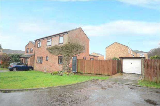 3 Bedrooms Detached House for sale in Balintore Court, Sandhurst, Berkshire