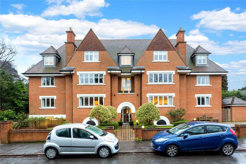 2 Bedrooms Flat for sale in Augustine Court, 4 Blanford Road, Reigate, Surrey, RH2