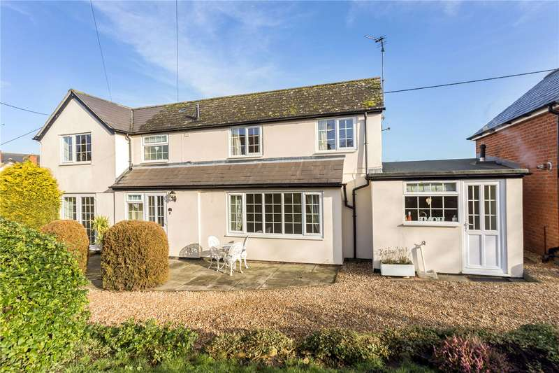 3 Bedrooms Detached House for sale in Easterton Lane, Pewsey, Wiltshire, SN9