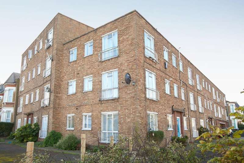 2 Bedrooms Apartment Flat for sale in St. Kilda's Road, London