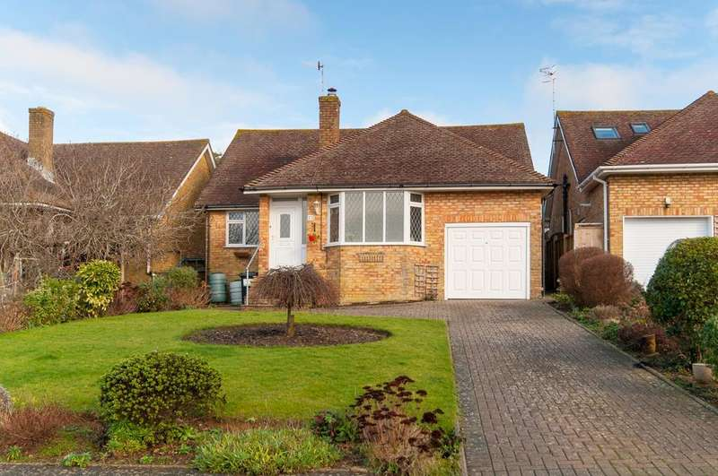 3 Bedrooms Bungalow for sale in Alfriston Park, Seaford, BN25 3LS