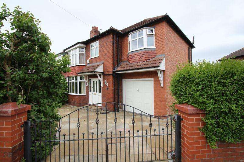 4 Bedrooms Semi Detached House for sale in Park Road, Romiley